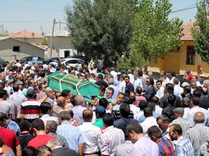 Davutoğlu Konyada cenaze namazı kıldı