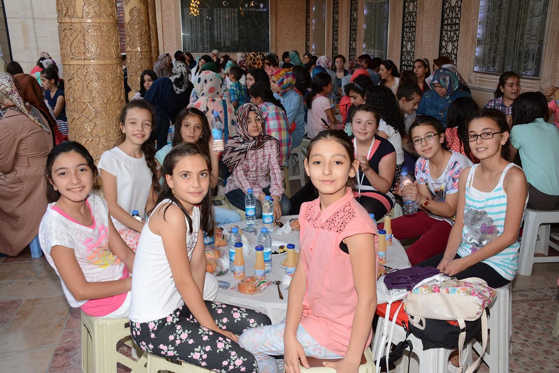 KOMEK Yaz Okulu'nda yarışma ve iftar sevinci