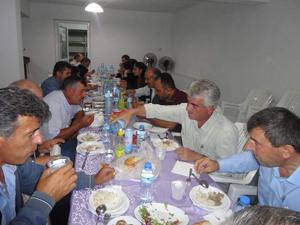 Derebucak'ta fakir ailelere iftar