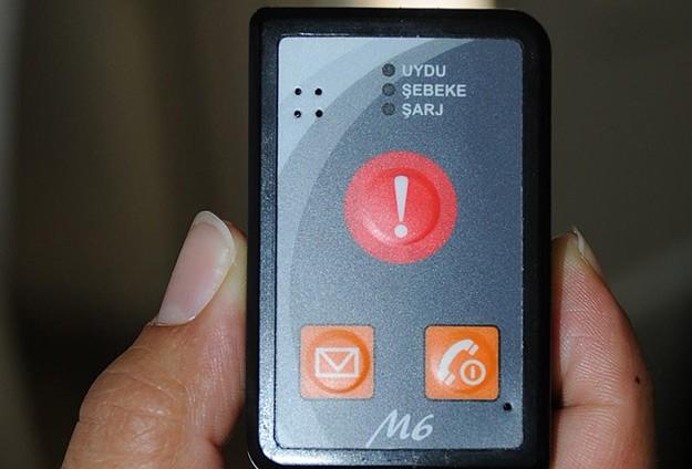168 kişiye panik butonu verildi