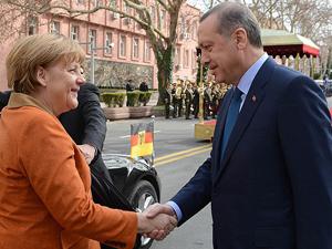 Liderler Erdoğanı tebrik ediyor