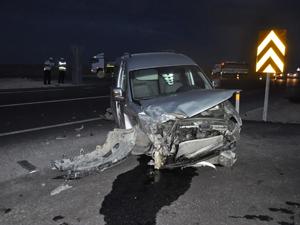 Akşehirde trafik kazaları: 2 yaralı