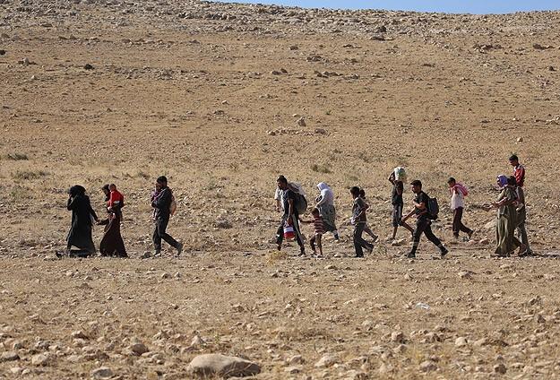 Yezidiler insan tacirlerinin kıskacında