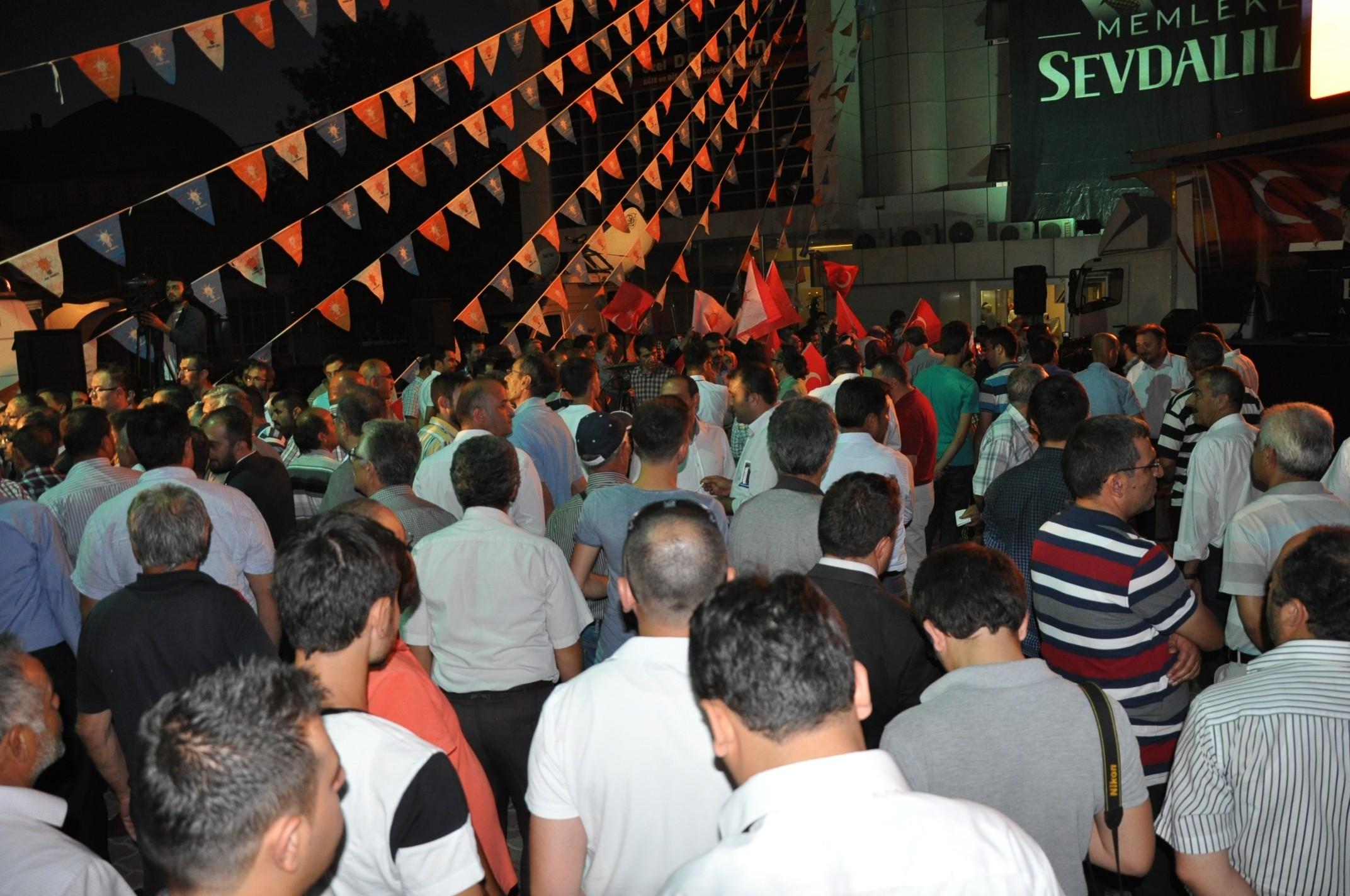 Konyada Davutoğlu sevinci