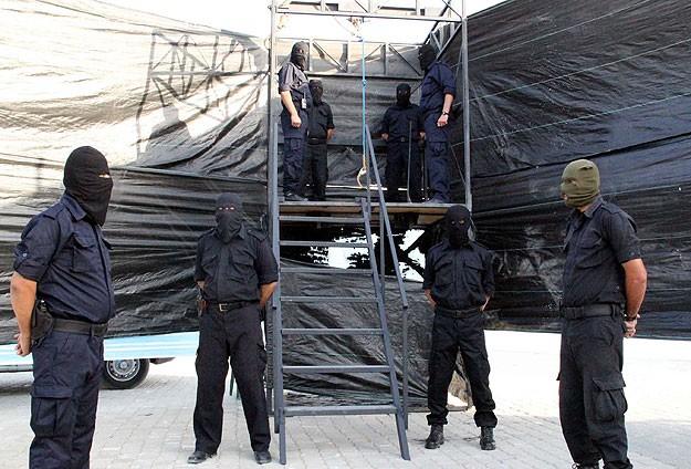 Gazzede 11 kişiye idam