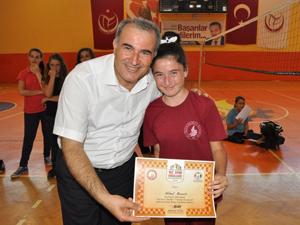 Seydişehir Belediyesi voleybol kursu tamamlandı