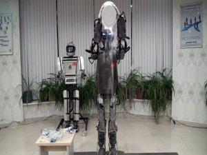 İnsansı robot meydan okudu!