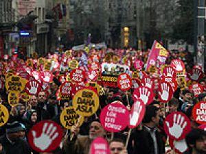 Taksimde Darbelere Hayır mitingi