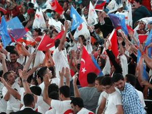 CHPnin önemli ismi AK Parti kongresinde