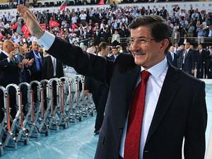 Davutoğlu bin 245 delegenin imzasıyla aday
