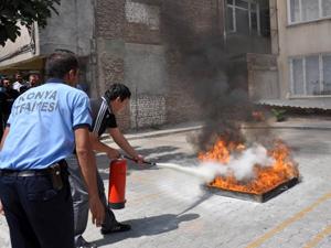 Meram'dan güvenlik personeline yangın tatbikatı
