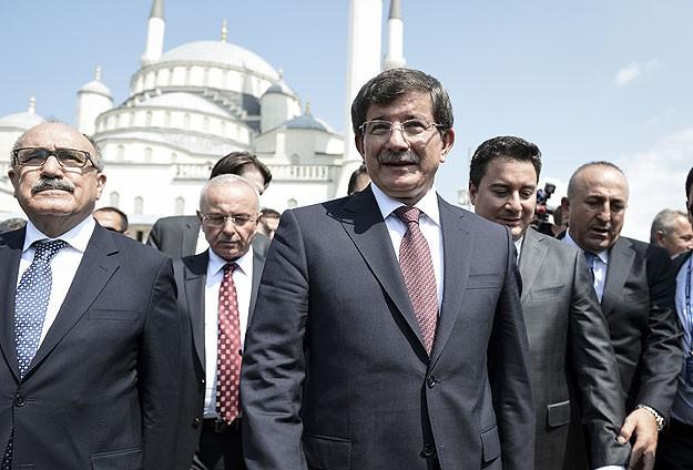 Başbakan Davutoğlu cuma namazını burada kıldı