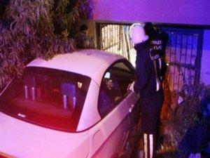 Otomobil bodrum katına uçtu