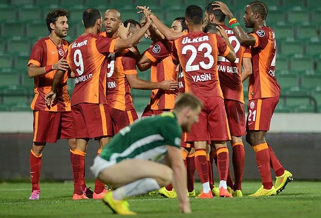 Galatasaray lige 3 puanla başladı
