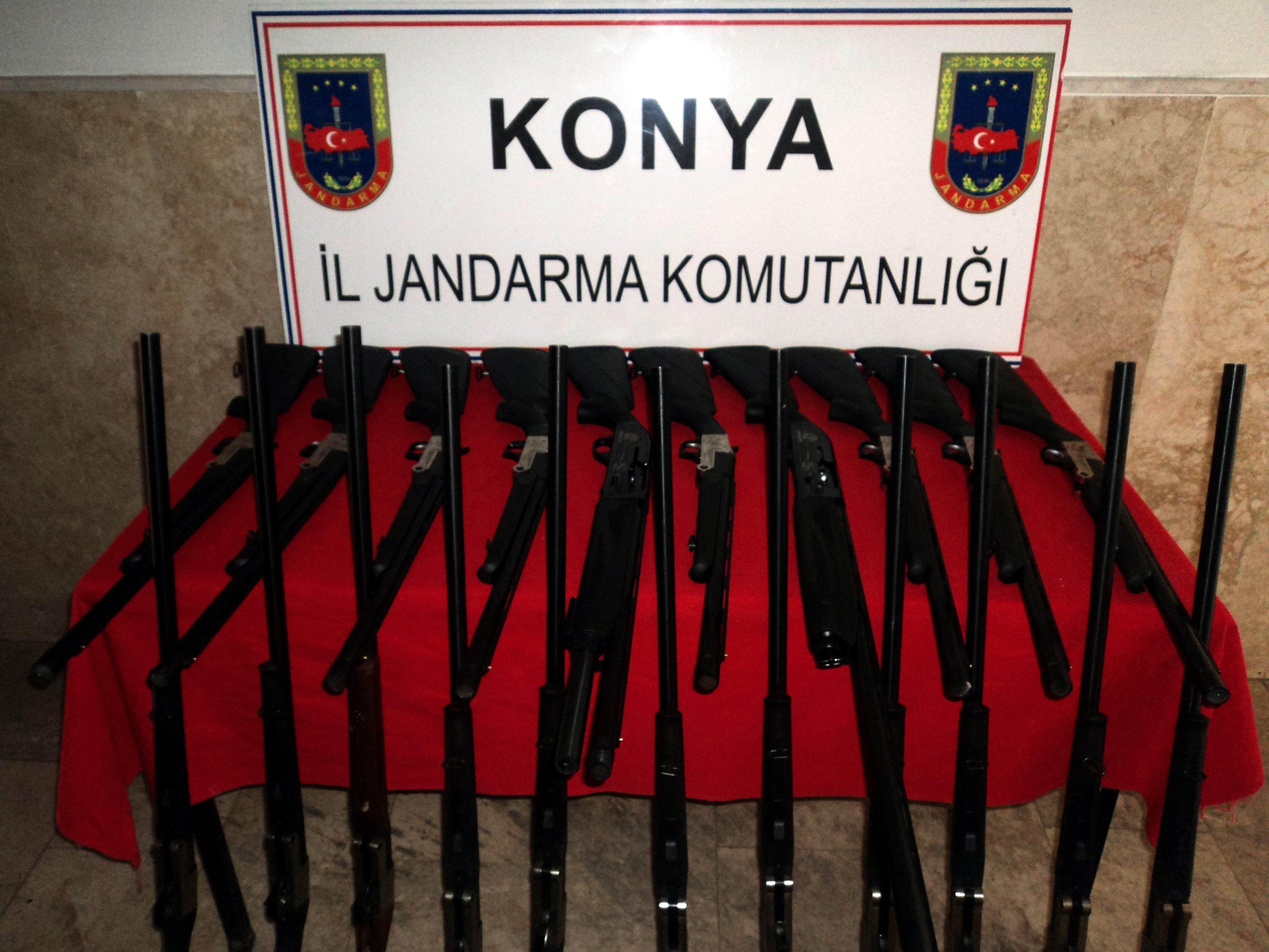 Beyşehir'de usulsüz üretilen tüfekler ele geçirildi