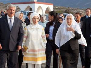 Emine Erdoğandan Adada anlamlı ziyaret