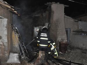 Konyada iki evde yangın