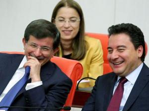 CHPli vekilin konuşması Davutoğlunu güldürdü