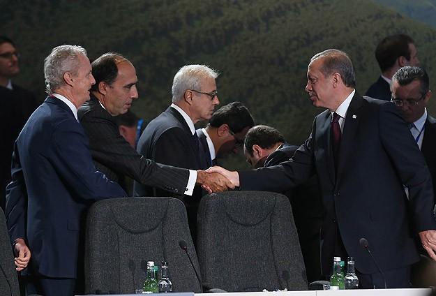 Suriye ve Irakta kararlı adımlar atılmalı