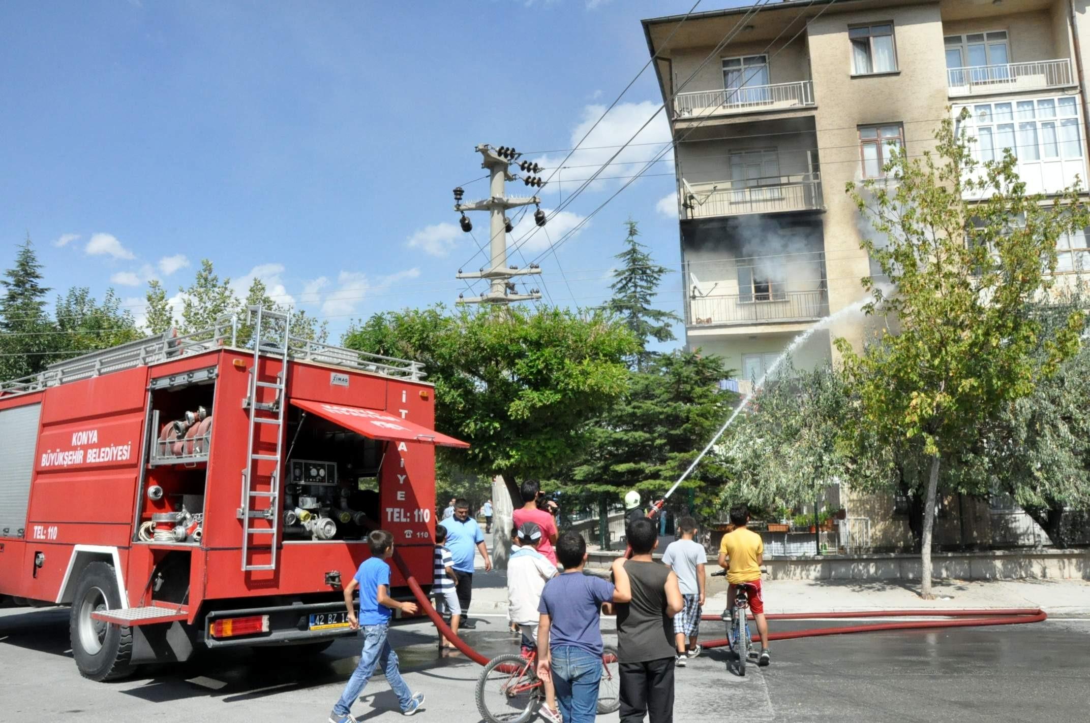 Misafirlikteyken evleri yandı