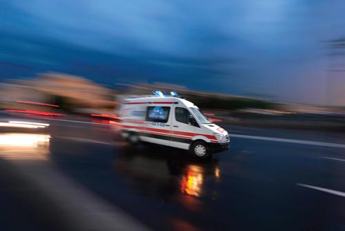 Minibüs devrildi: 10 yaralı