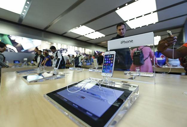 iPhone 6 ve iPhone 6 Plus görücüye çıktı