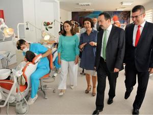 Diş Hekimliği'nde klinikler yenilendi