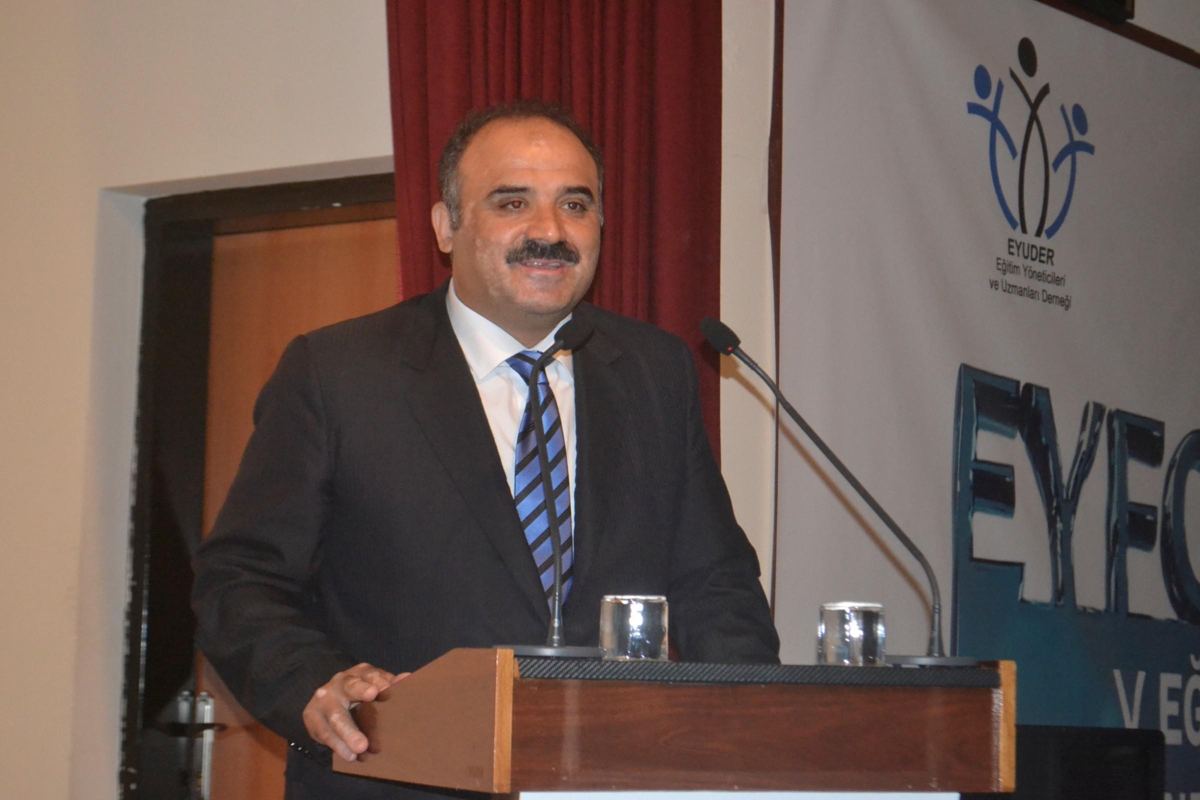 NEÜ'DE 5. eğitim yönetimi forumu gerçekleştirildi