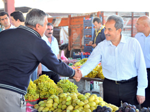 Başkan Akkaya'dan pazar ziyareti