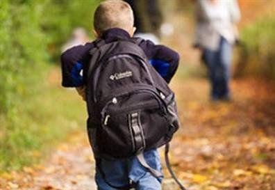 Ağır okul çantasının büyük zararı