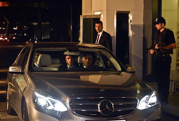 Başbakan Davutoğlu gazetecilerle görüştü