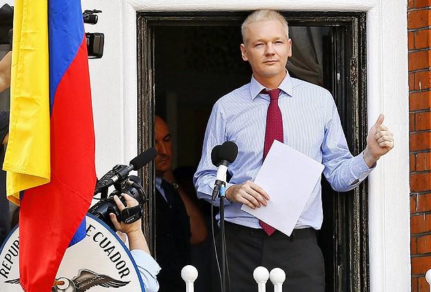 Julian Assange Googleı suçladı