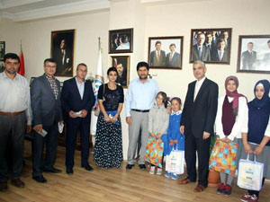 Derbentte öğrencilerden Başkan Acar'a ziyaret