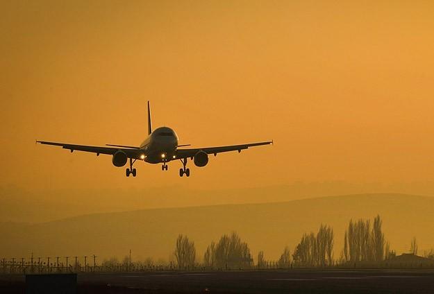 Uçaklarda internet ve telefon kullanılabilecek
