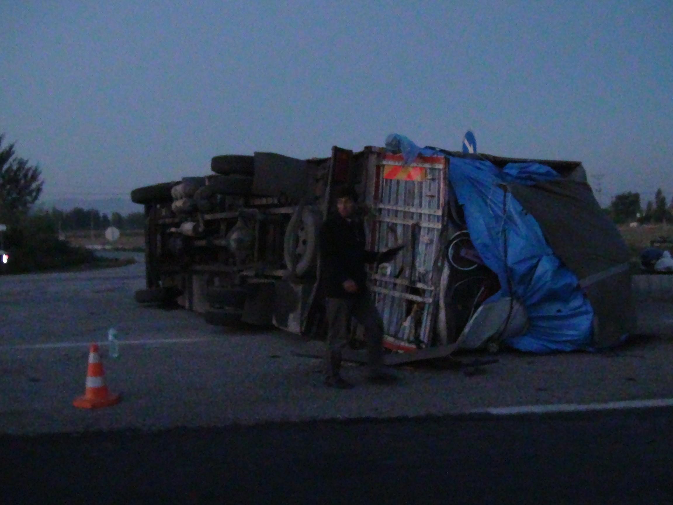 Minibüs kamyonete çarptı: 2 yaralı