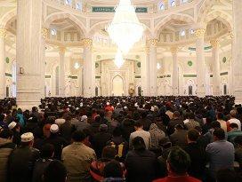 İslam dünyası bayram namazında buluştu