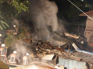 Ankarada 10 işyeri yandı