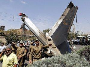 Uçak düştü: 7 ölü