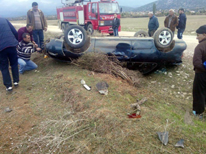 Beyşehir'de otomobil takla attı: 2 yaralı