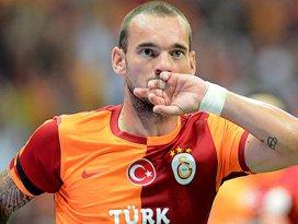 Sneijder Fenerbahçeyi devirdi! 2-1