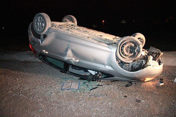 Konyada otomobil devrildi: 3 yaralı