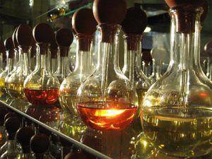 1 milyon dolarlık taklit Türk parfümü yakalandı