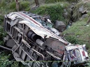 Pakistanda trafik kazası: 8 ölü