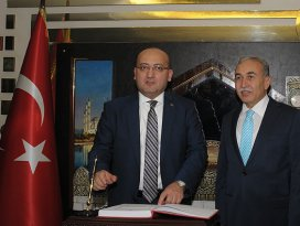 Akdoğan Adana Valiliğini ziyaret etti