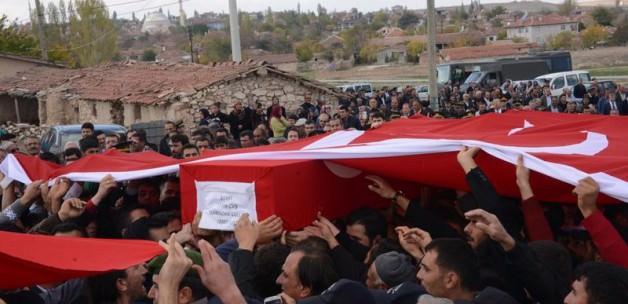 Şehit Ramazan Gülle son yolcuğuna uğurlandı