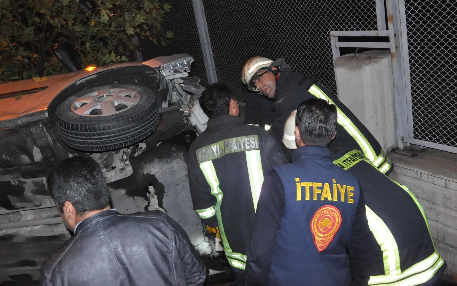 Konyada polis otosu takla attı: 2 yaralı