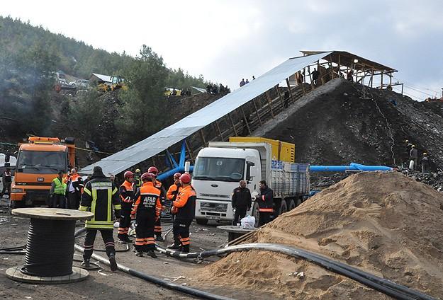 Madendeki suyun tahliye işlemi sürüyor
