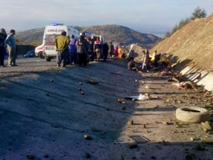Ispartada katliam gibi kaza: 15 ölü