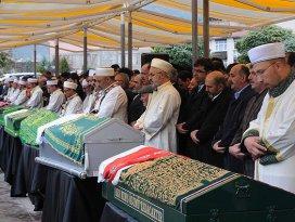 14 işçinin cenazesi Konyada toprağa verildi