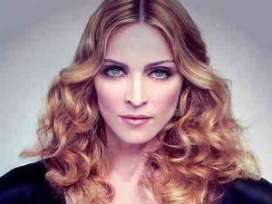 Madonna kızıyla çocuk giyimine el atıyor